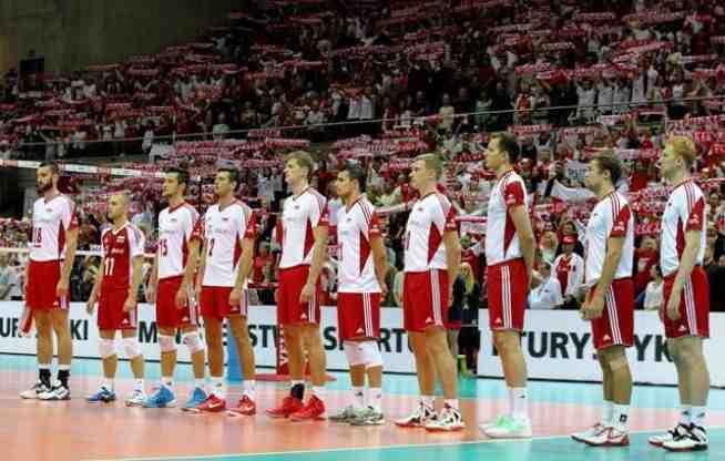 16 września 2015 roku minęło 10 lat odkąd nie ma z nami Arkadiusza Gołasia. Siatkarza, który w niespełna pięć lat rozegrał ponad 140 spotkań w reprezentacji Polski. Był jej potrzebny, był potrzebny całej polskiej siatkówce, która wchodziła właśnie w okres […]