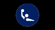 Podobnie jak w piłce nożnej, tak i w waterpolo w męskim turnieju olimpijskim bierze udział więcej drużyn niż w żeńskim. Poprzednie igrzyska zdominowały nacje Starego Kontynentu.